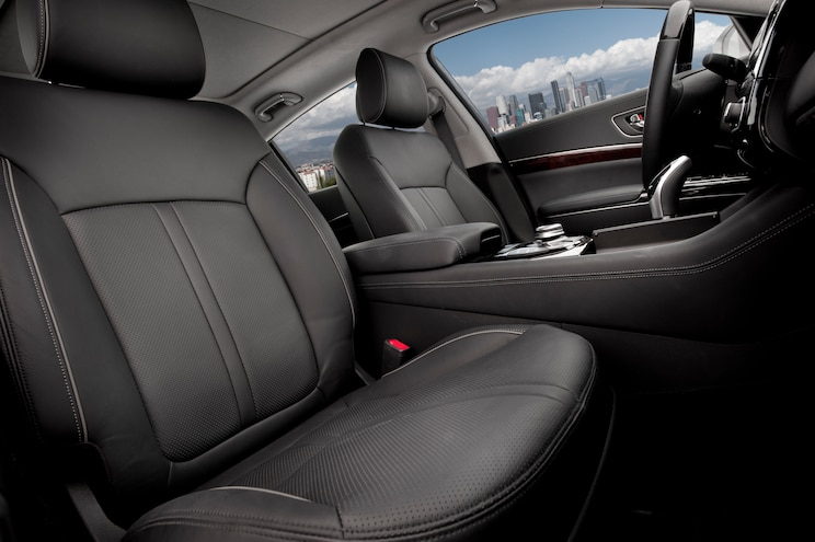 2015 Kia K900 V 8 Rear Interior Seats 02