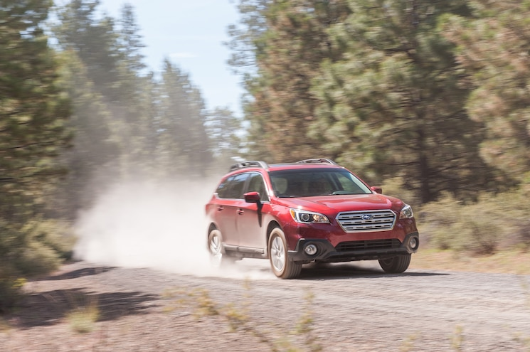 2015 Subaru Outback 25i Front Three Quarter In Motion 06