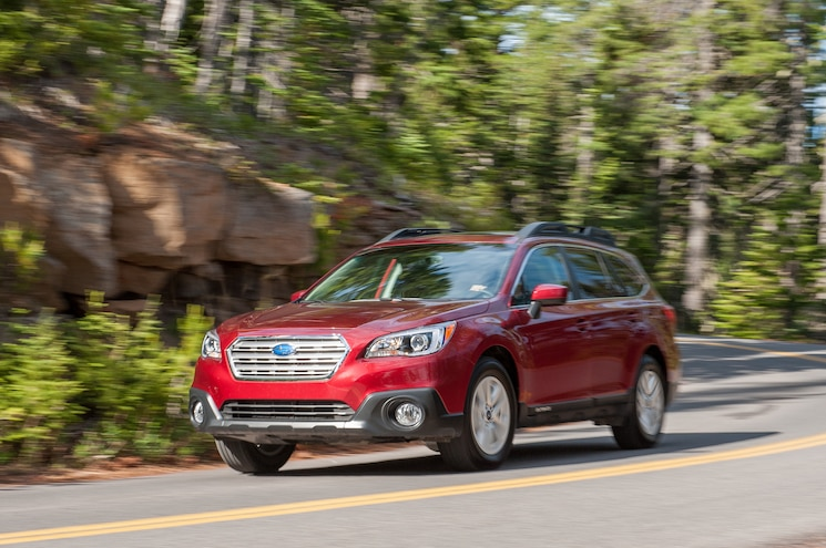 2015 Subaru Outback 25i Front Three Quarter In Motion