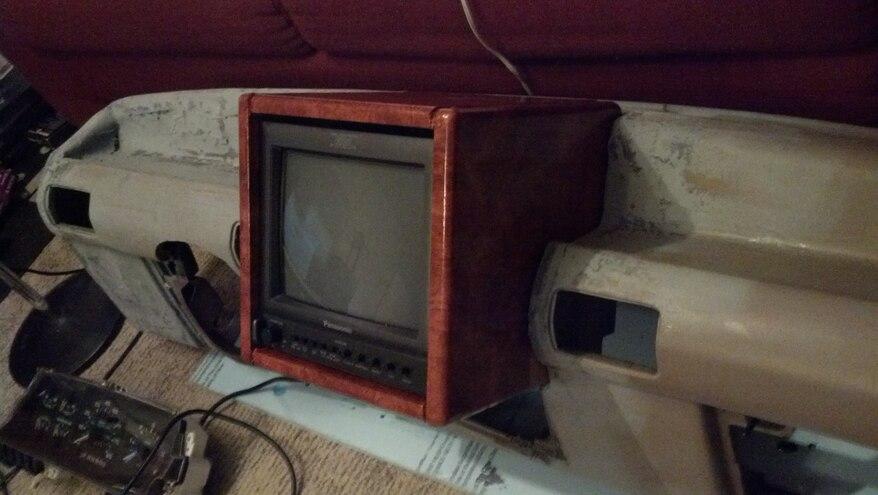 Jurassic Park Ford Explorer Front Tv Screen