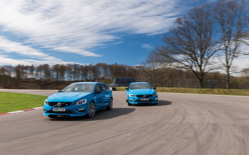 2015 Volvo S60 V60 Front End In Motion 02