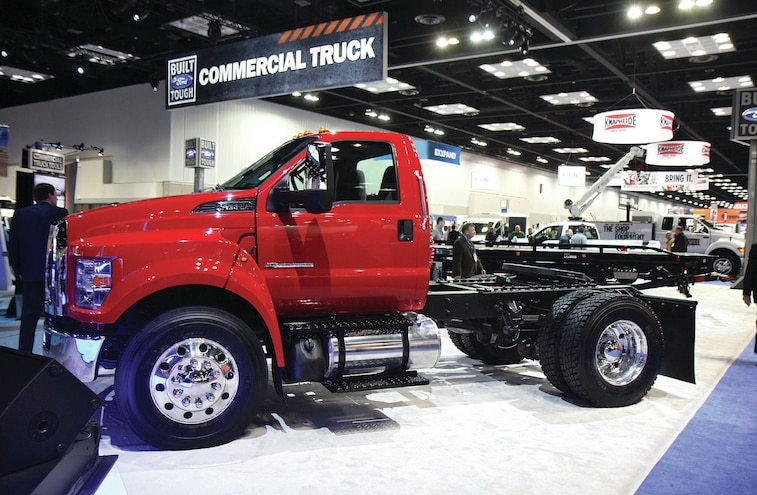 2016 Ford F 750 Side Three Quarter