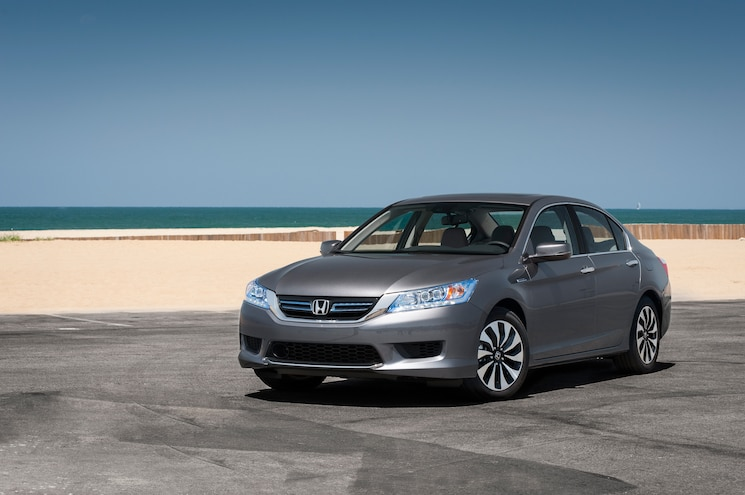 2014 Honda Accord Hybrid Touring Front Three Quarter