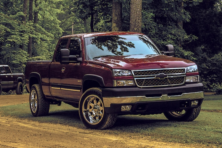 2005 Chevrolet Silverado 2500HD Extended Cab Front Three Quarter