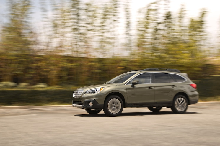 2015 Subaru Outback 25 Limited Side In Motion