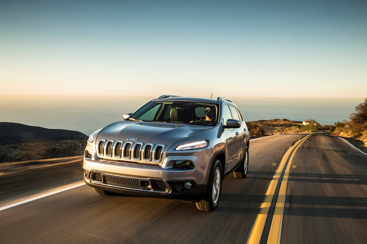 2015 Jeep Cherokee Limited Front Three Quarter In Motion 02