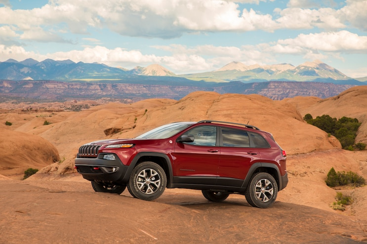 2015 Jeep Cherokee Trailhawk Front Three Quarter