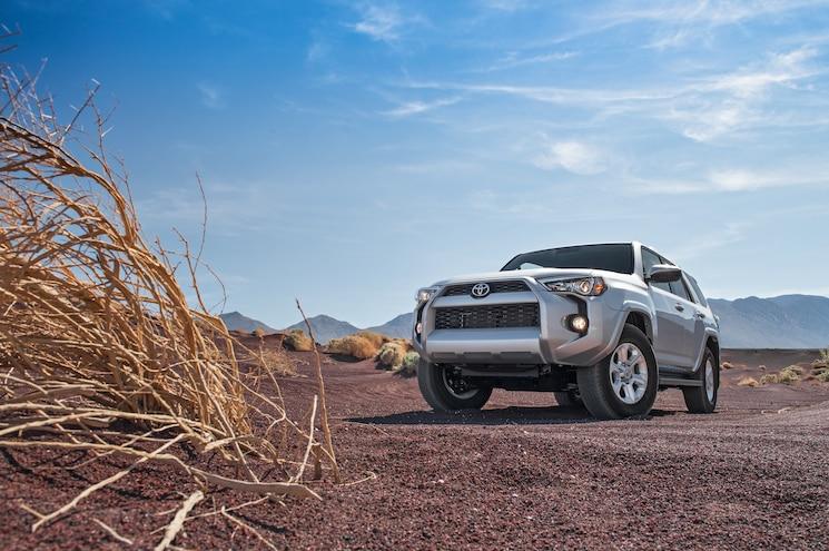 2014 Toyota 4Runner SR5 First Test - Motor Trend