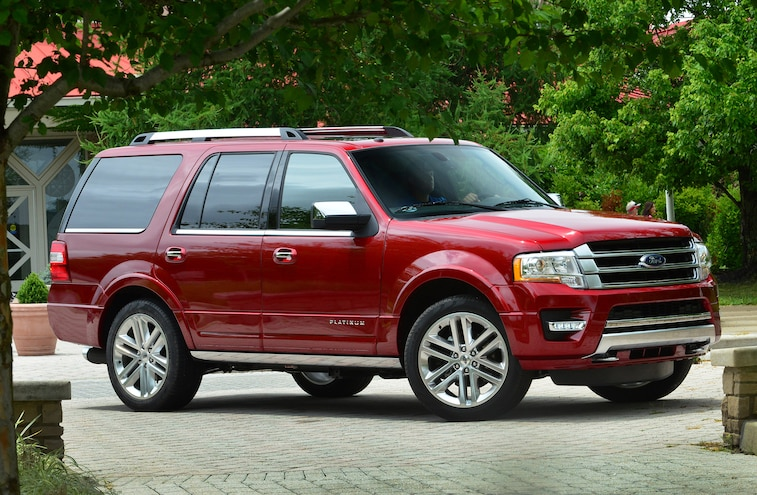 2015 Ford Expedition Front Three Quarters 06