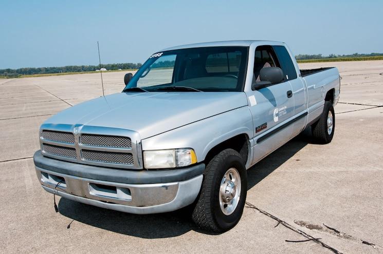 2001 Dodge Ram 2500 Front Three Quarter