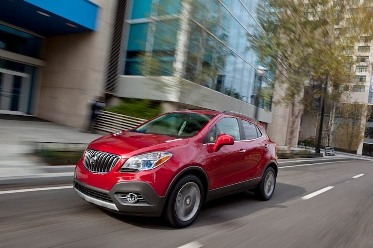 2015 Buick Encore Front Three Quarter In Motion 03