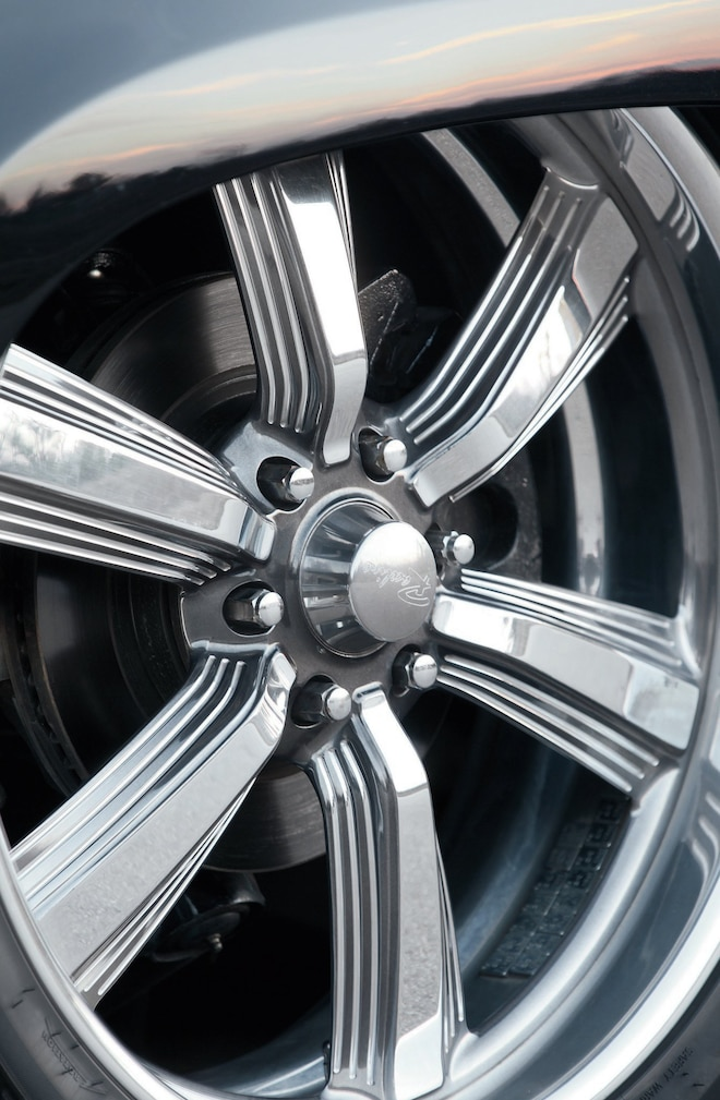 2012 Chevrolet Avalanche Front Wheel