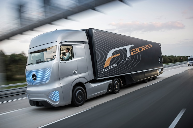 Autonomous Mercedes-Benz Future Truck 2025 Previews the Future of Shipping