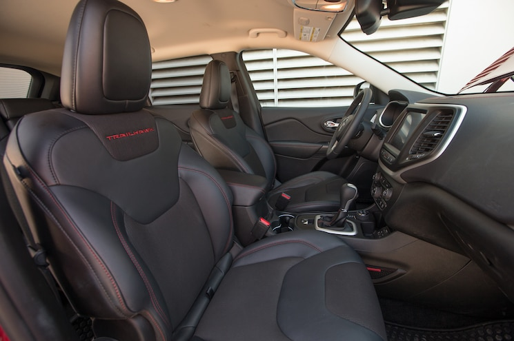 2014 Jeep Cherokee Trailhawk Front Seats