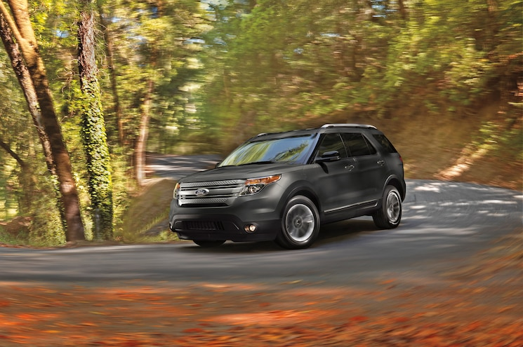 2015 Ford Explorer Sport Front Three Quarter Turn 02