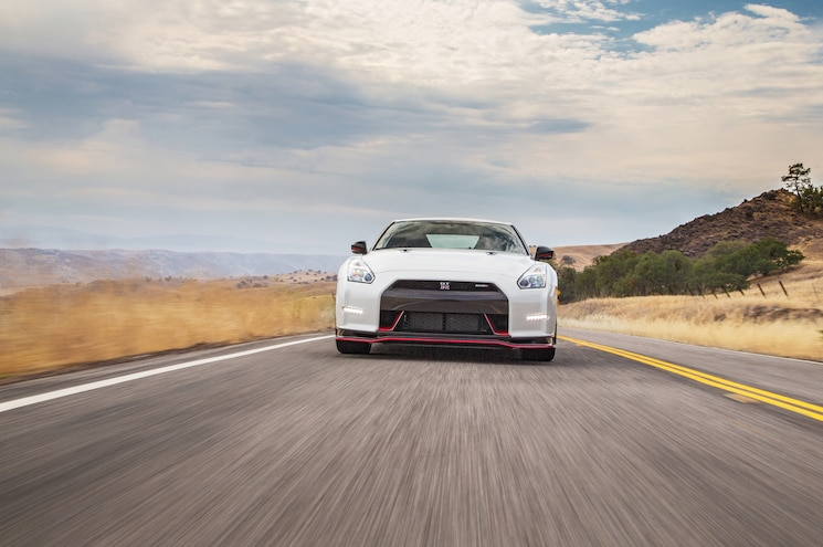 2015 Nissan GT R Nismo Front End 02