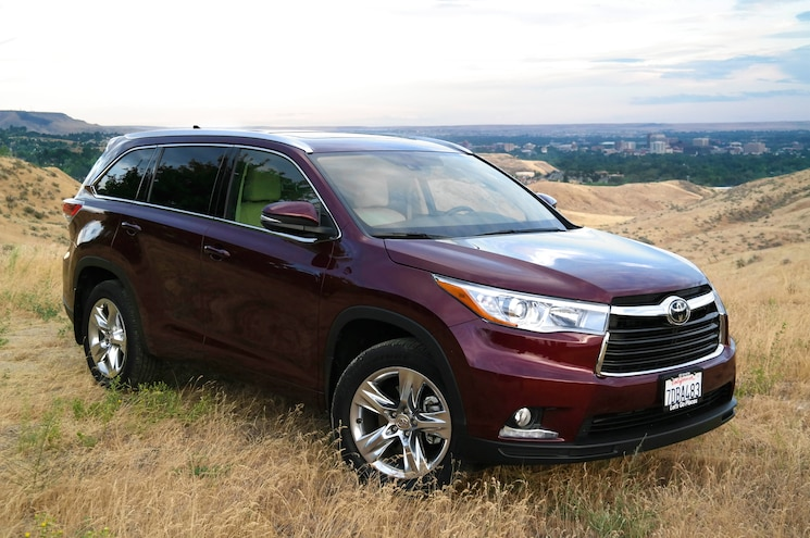 2014 Toyota Highlander Limited AWD Front Three Quarters