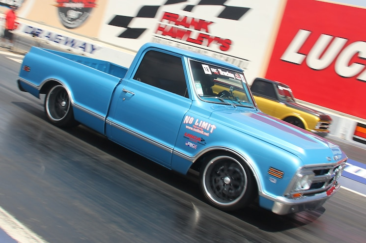 1968 GMC C10 In Motion