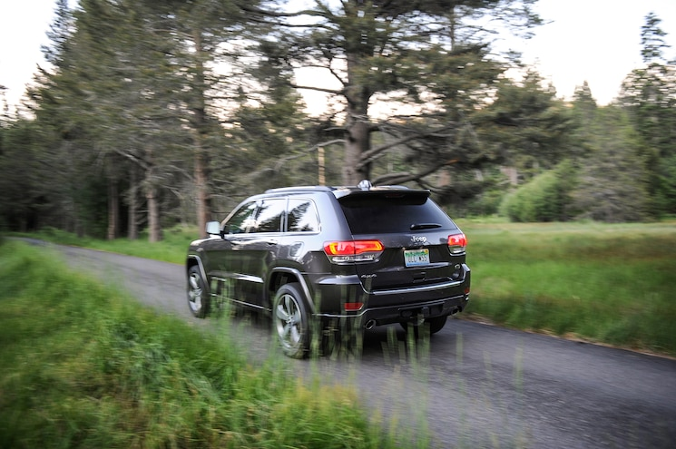 2015 Jeep Grand Cherokee Overland Rear Three Quarter In Motion