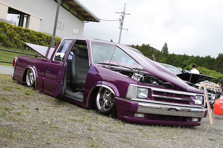 Truck Trends Japan 1985 1998 Mazda B2200 Bagged