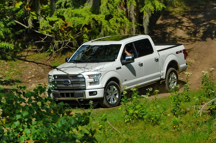2015 Ford F150 In Motion Front Top Three Quarter 002