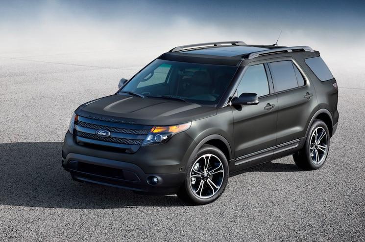 2015 Ford Explorer Sport Front Three Quarter 02