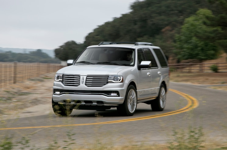 2015 Lincoln Navigator Front Three Quarter Turn