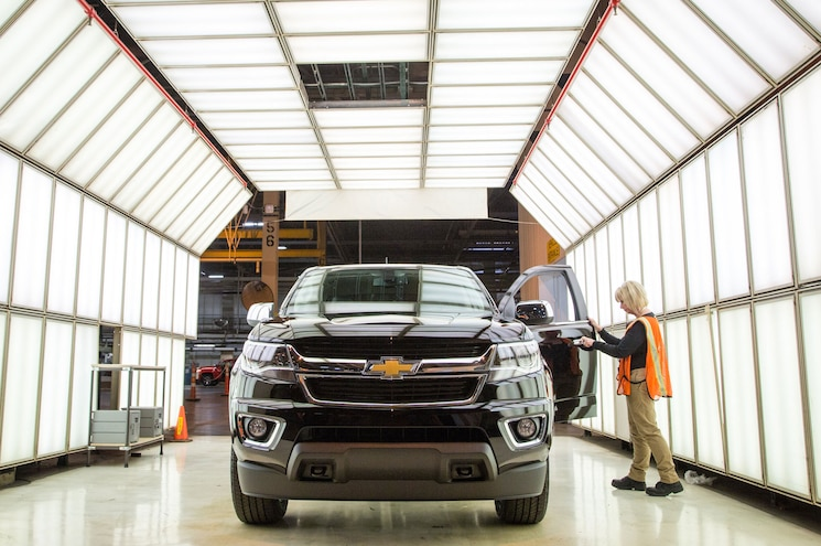2015 Chevrolet Colorado Wentzville Light Room