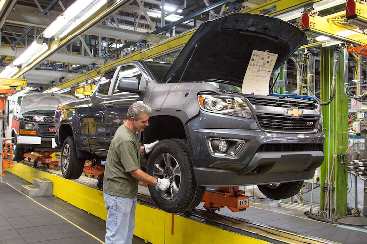 GMC Canyon and Chevrolet Colorado Plant Running in Overdrive