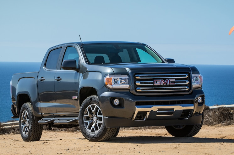 2015 GMC Canyon All Terrain Front View 02