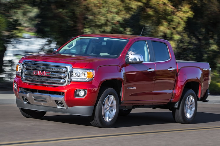 2015 GMC Canyon SLT Front Three Quarters In Motion