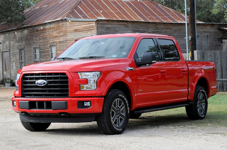 2015 Ford F 150 Front Three Quarter 05