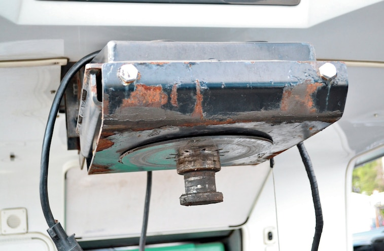Fifth Wheel Hitch On Camper