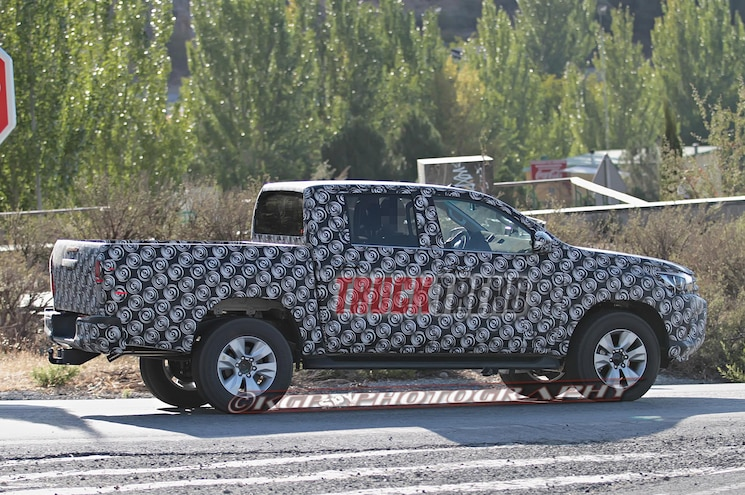 2016 Toyota Hilux Right Rear Side View