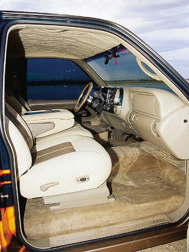 1997 Chevrolet Tahoe interior View