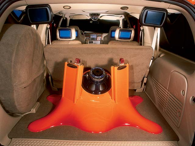2002 Ford Excursion subwoofer View