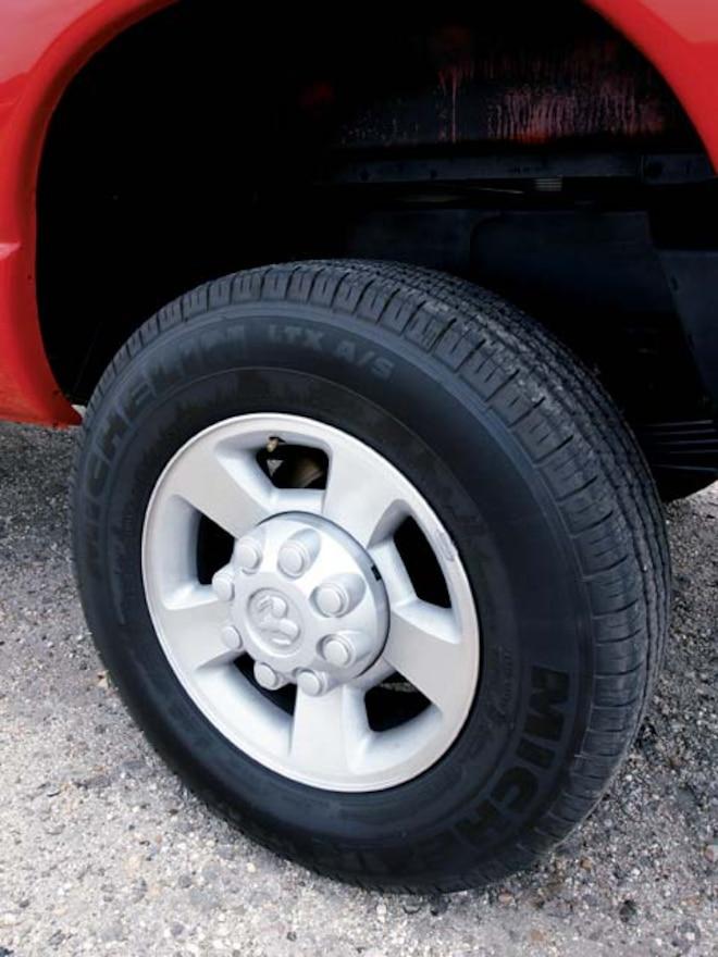 2004 Dodge Ram 2500 wheel View