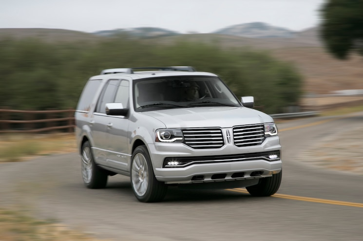2015 Lincoln Navigator Front Three Quarters In Motion