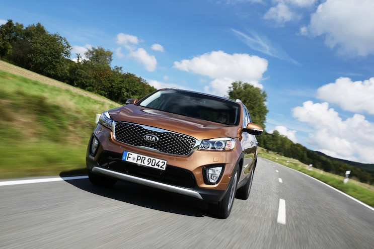 2016 Kia Sorento European Spec Front End In Motion 02