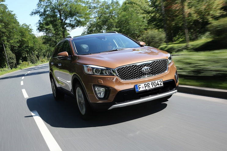 2016 Kia Sorento European Spec Front Three Quarter In Motion