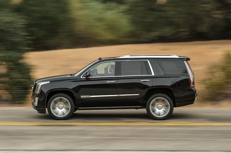 2015 Cadillac Escalade Side In Motion
