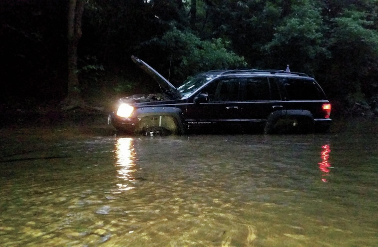 Jeep Grand Cherokee Stuck In The Water