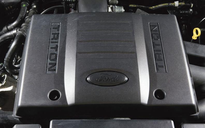2007 Chevrolet Suburban 1500 LTZ vs  2007 Ford Expedition EL