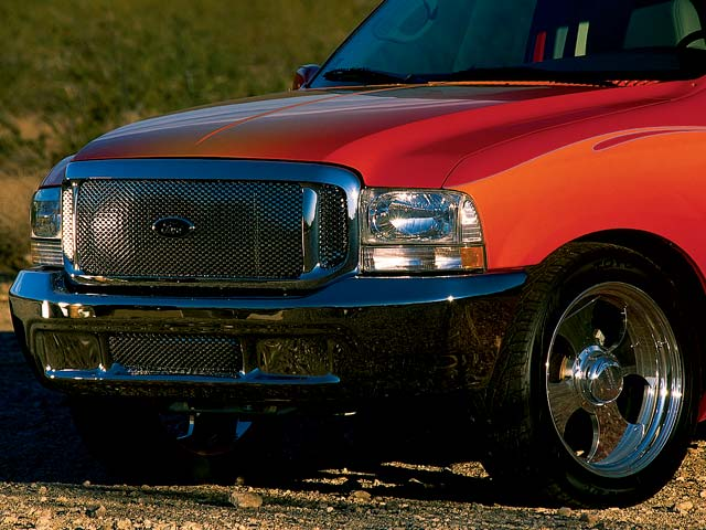 2002 Ford Excursion front Side View