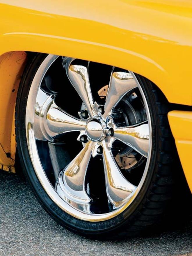 1999 Dodge Ram wheel View