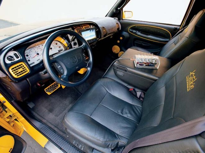 1999 Dodge Ram front Interior View