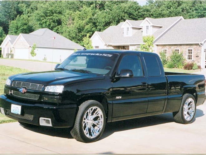 2006 Readers' Rides Number 12 - Custom Trucks - Truckin' Magazine