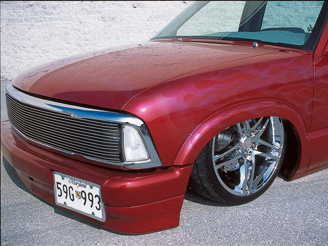 1996 Chevrolet S10 front Drivers Side View