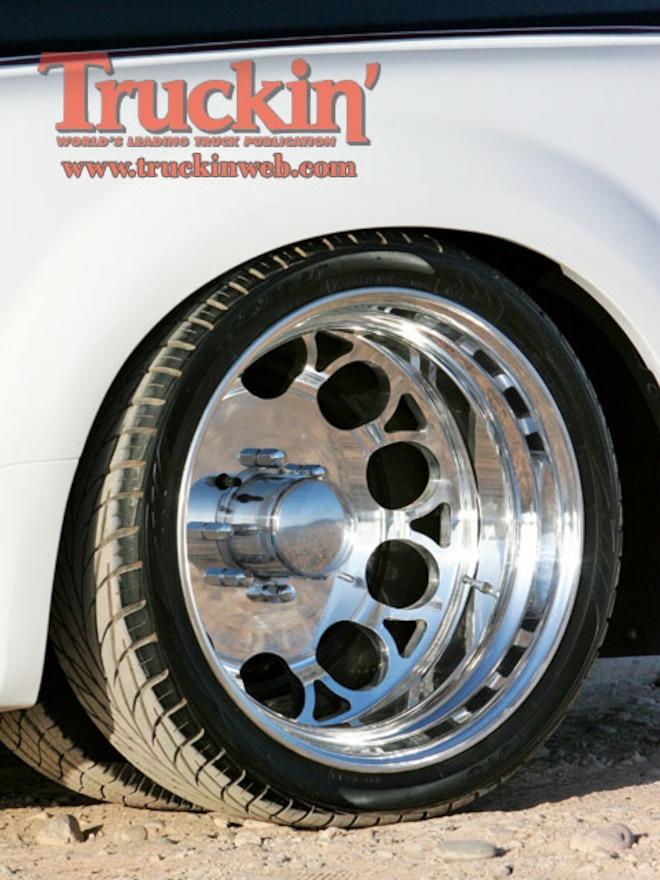 2003 Ford F350 Super Duty rear Wheel