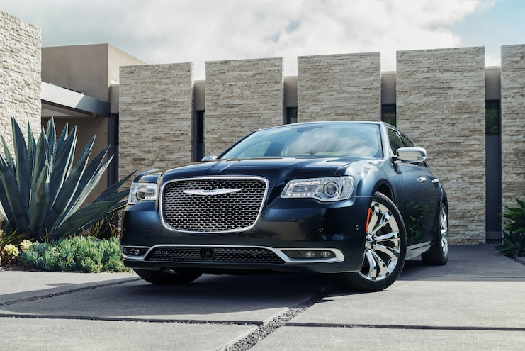 2015 Chrysler 300C Platinum Front End Three Quarter